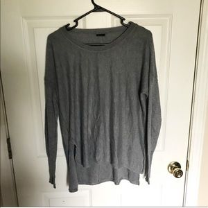 Sweaters - Slouchy light weight sweater